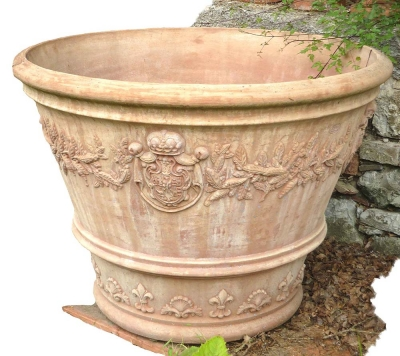 Vaso ornato con stemma - Terracottavase mit Wappen