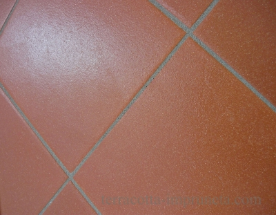 Stratos - Quadratische Terracotta-Fliese