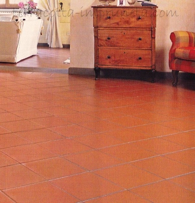 Arrotato TR - Quadratische Terracotta-Fliese